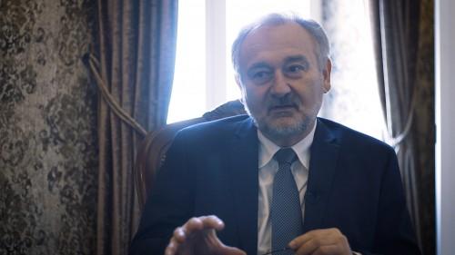 Mellimplantátumok szövődményei és korrekciói - interjú Dr. Kelemen Ottóval