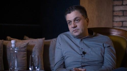 Tökéletes eredmény mellimplantátummal - interjú Dr. Kazay Szilárd Zsolttal