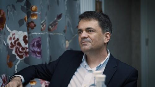 Arcfiatalítás és arcformázás természetesen - interjú Dr. Szabó Szilárddal