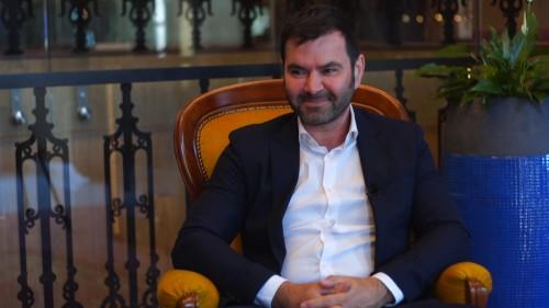 Reversal töltőanyag - interjú Dr. Széchenyi Kornéllal